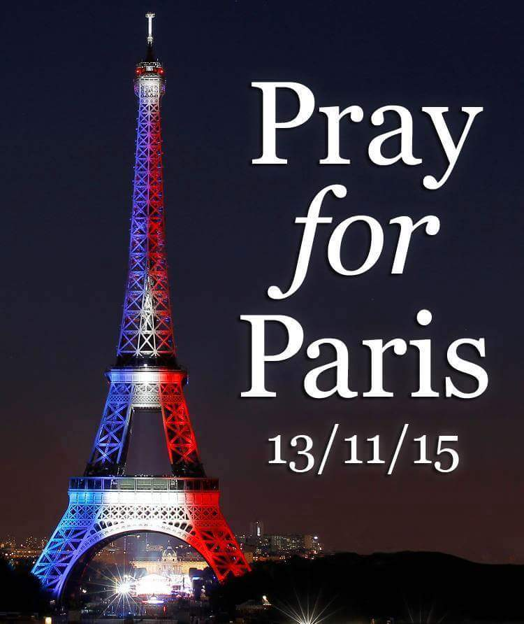 https://static.blog4ever.com/2012/09/713297/Paris-Drapeau1.png
