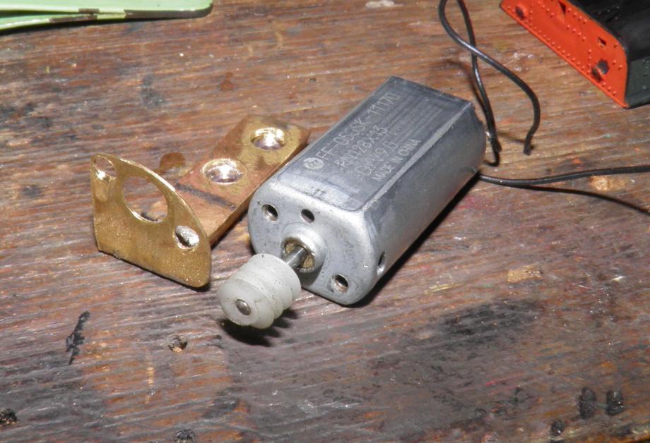 fabrication support moteur.JPG