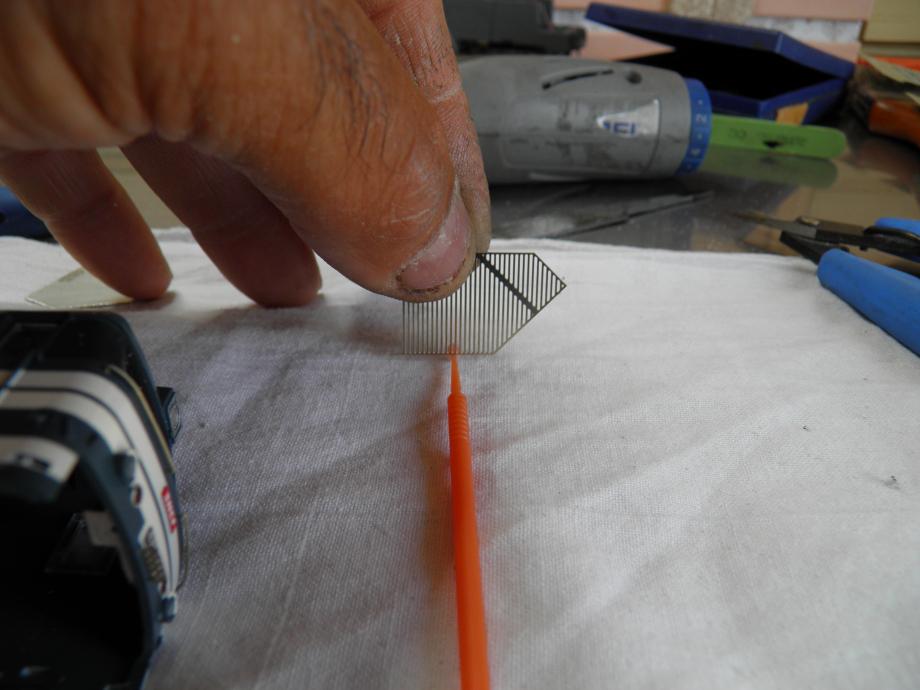 on degrappe les 2 grilles ,on superpose (renfort vers l'interieur )  on mouillle (flux ) .................