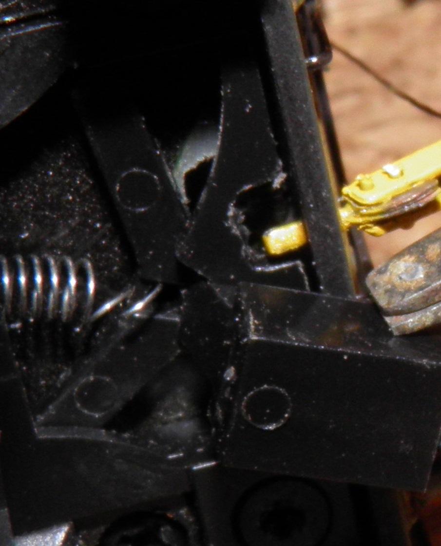 une derniere chose : pour un demontage aussi facile que d'origine ,le chassis + l'attelage ont ete   retravaillé