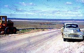 pipeline alimentation en eau de la ville de Woomera 1953.jpg