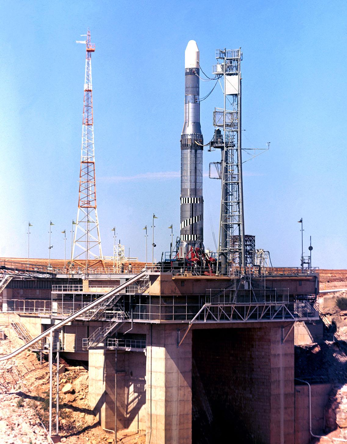 Europa 1 Flight 6-1 prête au départ en juillet 1967 : responsable du tir ( Officer of technical command : Klaus Iserland)