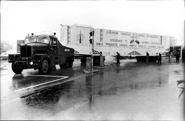 départ pour le port de Londres en vue du transfert par bateau de Blue Streak vers Adelaide (Australie) le 6 décembre 1965