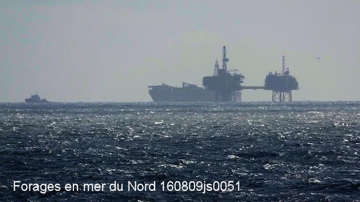 Puit pétrole 160809js0051w.JPG