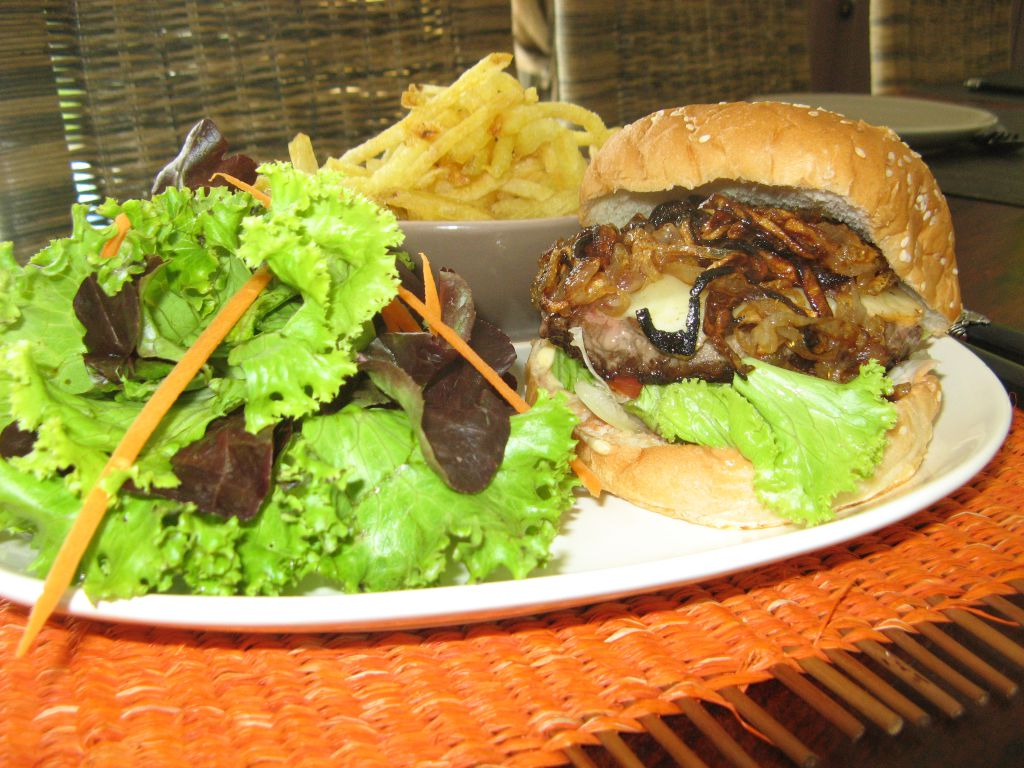Joyeux anniversaire herv patio 39 nnement cuisine - Herve cuisine hamburger ...