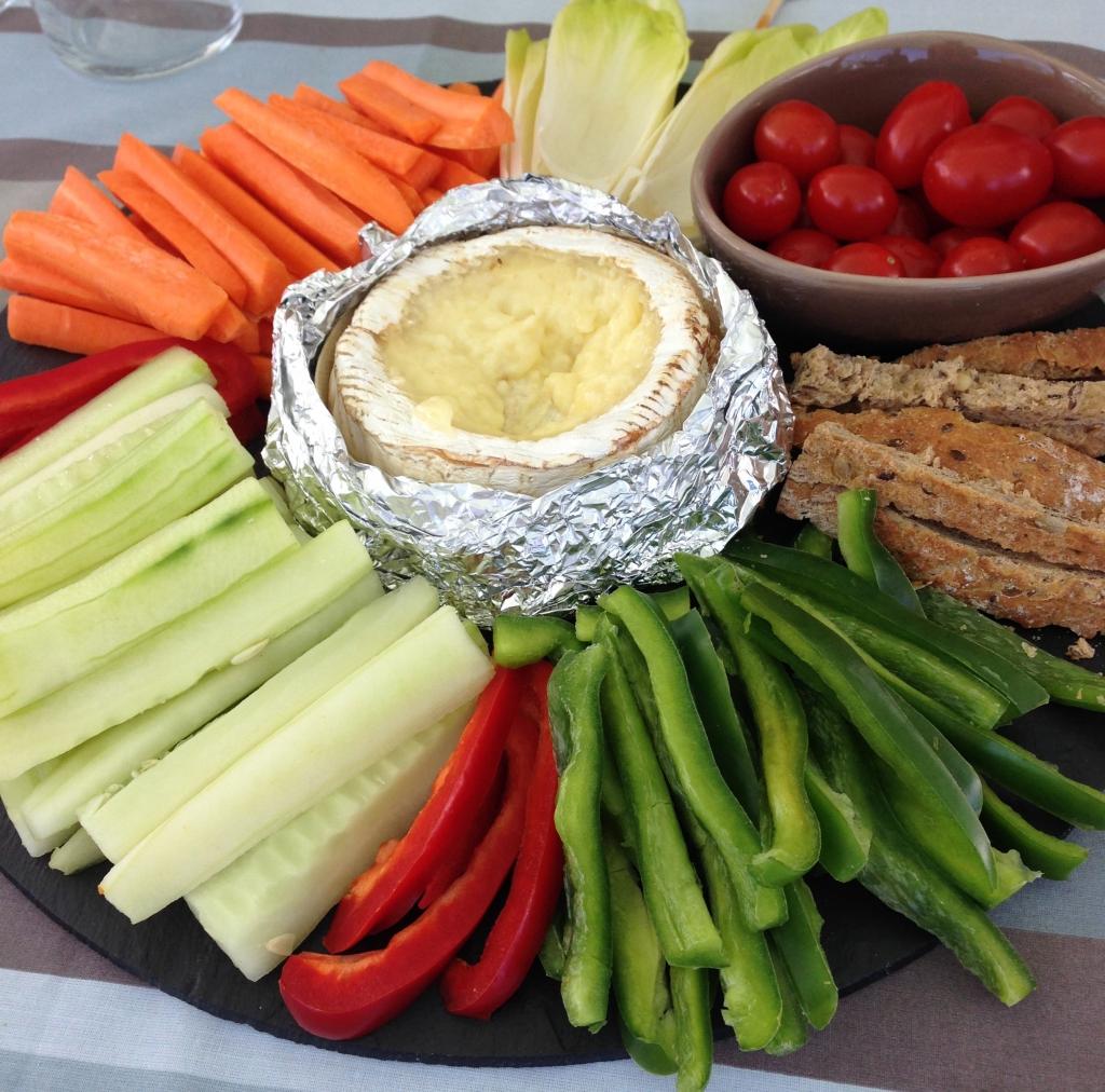 Exceptionnel Camembert au four accompagné de ses crudités - Patio'nnement cuisine AN24