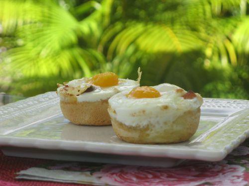 Panier d'oeuf et jambon au fromage