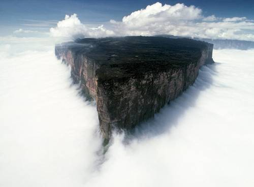 Mount Roraima one of the oldest geological formations on Earth.jpg