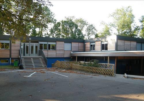 Quetigny - Ecole des Cèdres 2012.jpg