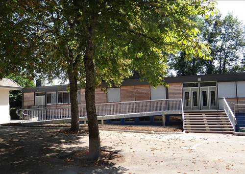 Quetigny - Ecole des Cèdres 2013.jpg