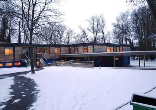 Quetigny - Ecole des Cèdres hiver 2012.jpg