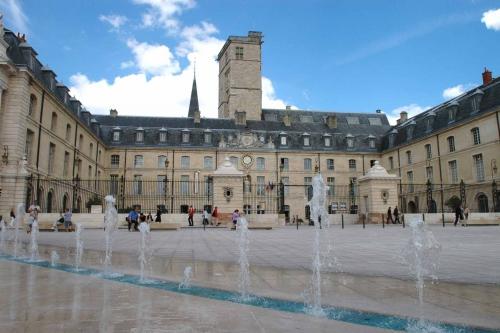 Dijon Hôtel de ville 02.jpg