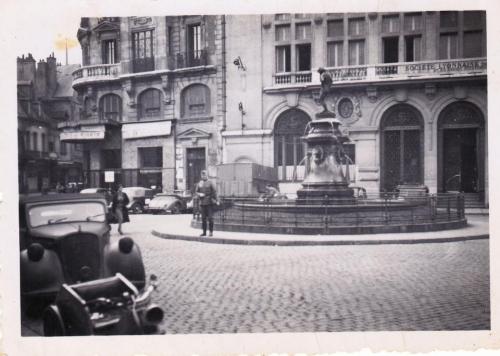 Dijon occupée - Place François Rude - Années 40.jpg