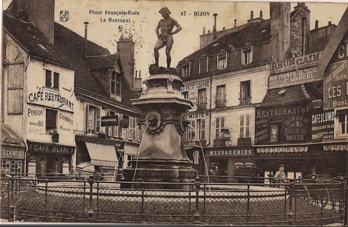 Dijon - Place François Rude - Fontaine du Bareuzai.jpg