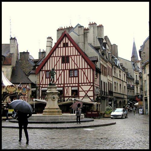 Dijon Place François Rude.jpg
