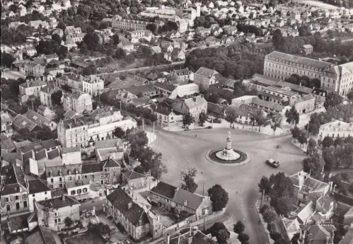 Dijon - Place du 30 octobre - 1955.jpg