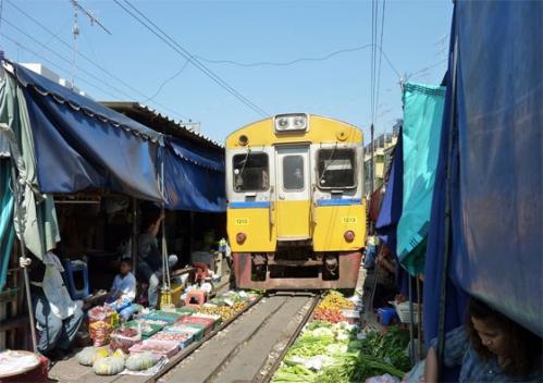 marché Maeklong Thaïlande 04.jpg