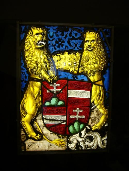 Lions et couronne.JPG