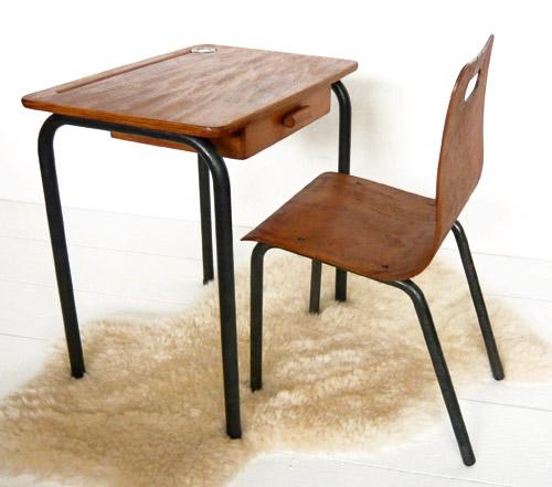 Tables et chaises d'école 02.jpg