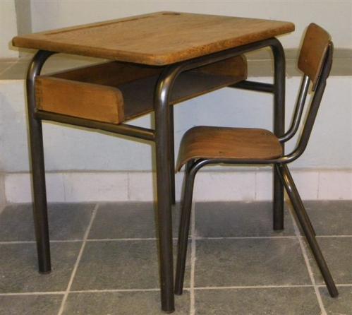 Tables et chaises d'école 04.jpg