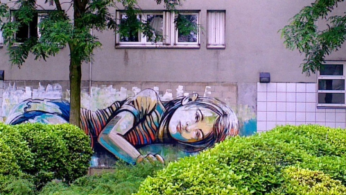 By Alice Pasquini's Art in Vitry sur Seine France.jpg