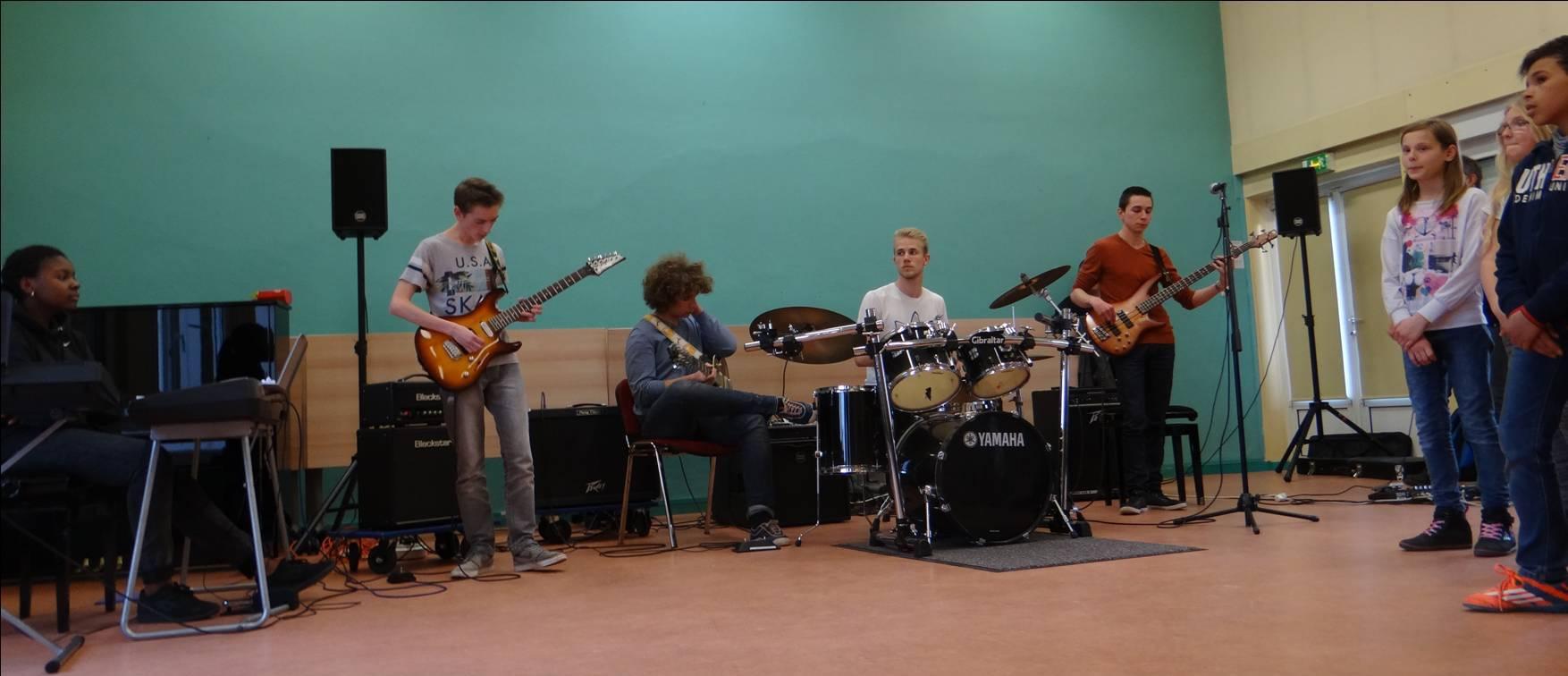 Répétition rock avec les musiciens 05.jpg