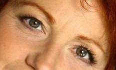 veronique-genest -yeux.jpg