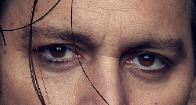 johnny-depp- yeux.jpg