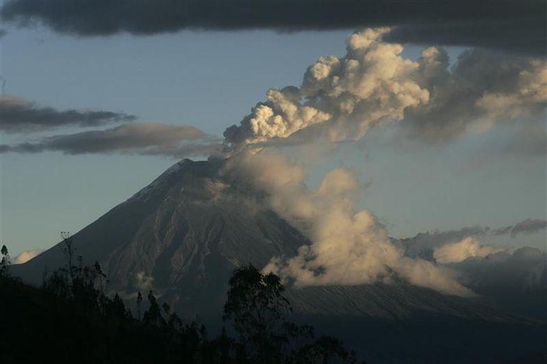 volcan Tungurahua dans le centre de l'Equateur.jpg