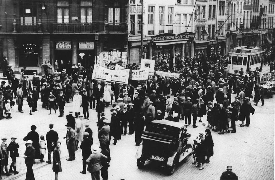 30 mai 1927 - Manifestation à Bruxelles du Secours Rouge pour Sacco et Vanzetti.jpg