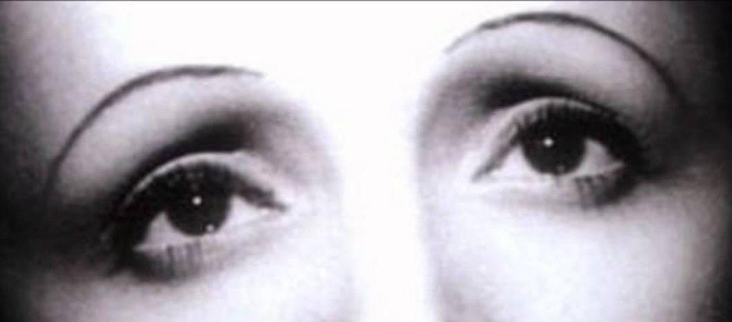 Edith Piaf 01A.jpg