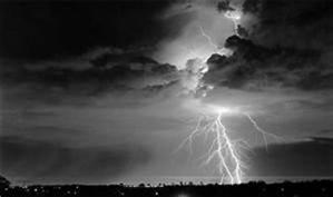 nuage noir éclair 02.jpg