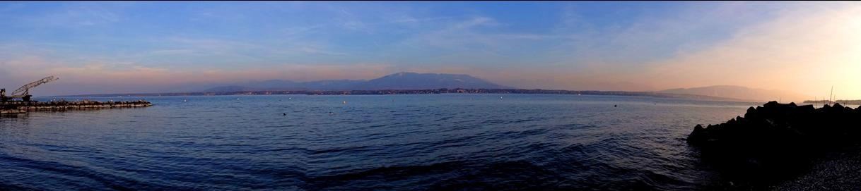 Lac Léman, entre Suisse et France, entre Jura et Alpes