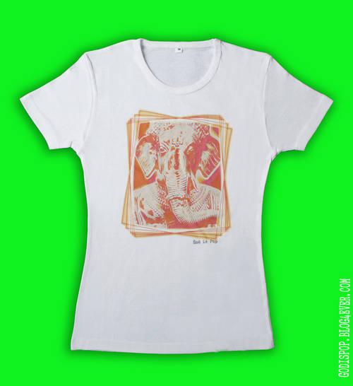 Femme col U blanc Ganesh.jpg