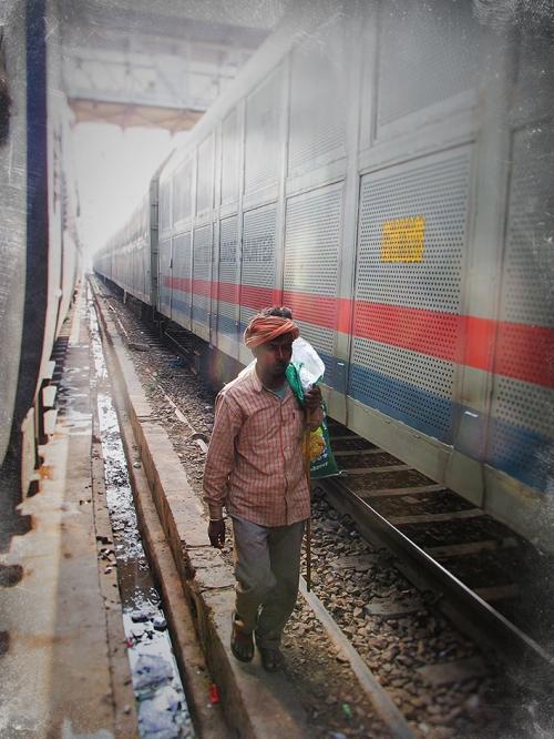 Small IMG_2825 entre deux trains.jpg
