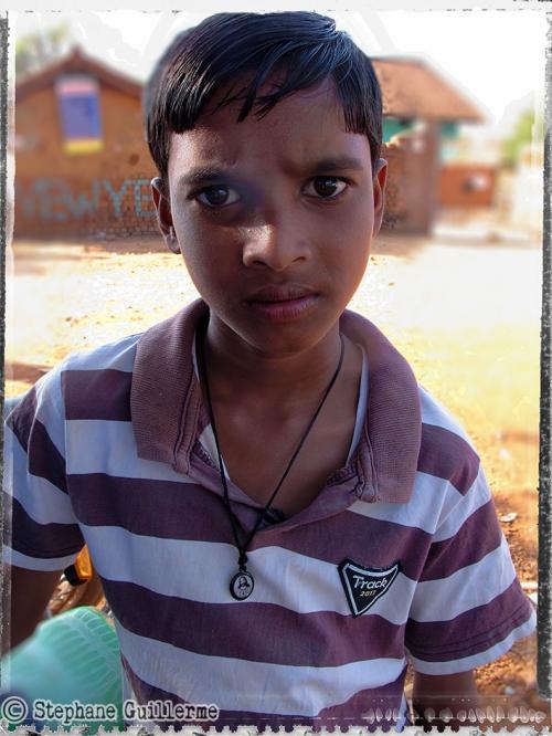 Small IMG_5119 Mahara boy chretien de religion.jpg