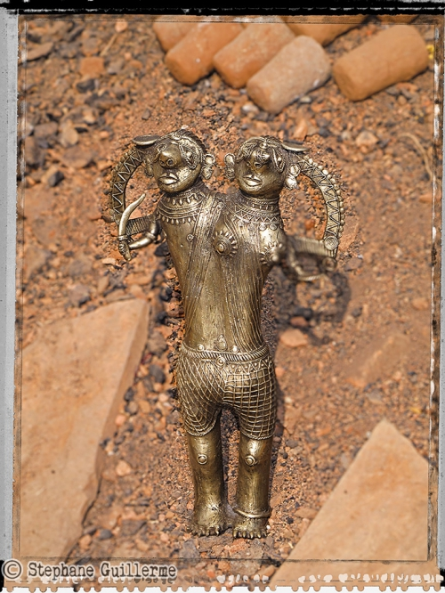 Small IMG_5270 Statue Bastar.jpg