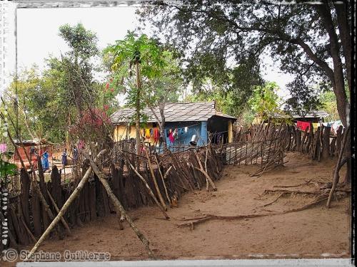 Small IMG_5362 Village Dhurvaa.jpg