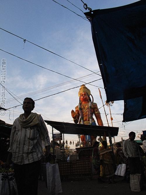 Small IMG_5941 Hanuman au marché.jpg