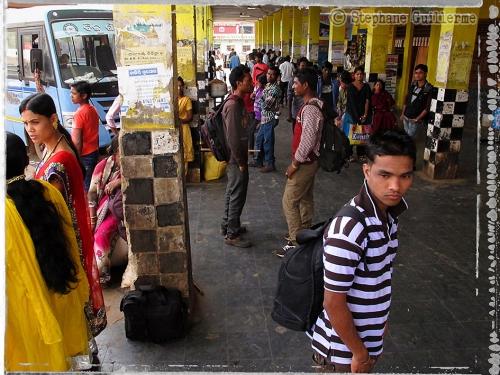 Small IMG_5975 Dans le bus stand de Koraput.jpg