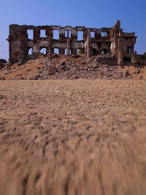 Small 13 IMG_6192 Ruine de bord de mer.jpg