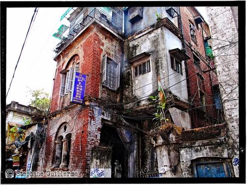 Small 07 IMG_6485 Vieil immeuble Kolkata.jpg