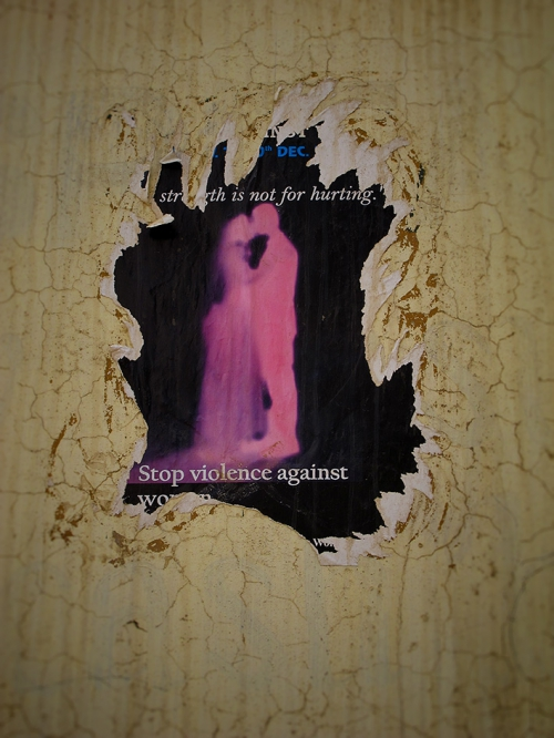 Small 25 IMG_7493 Affichette déchirée Stop violence on women Mon.jpg