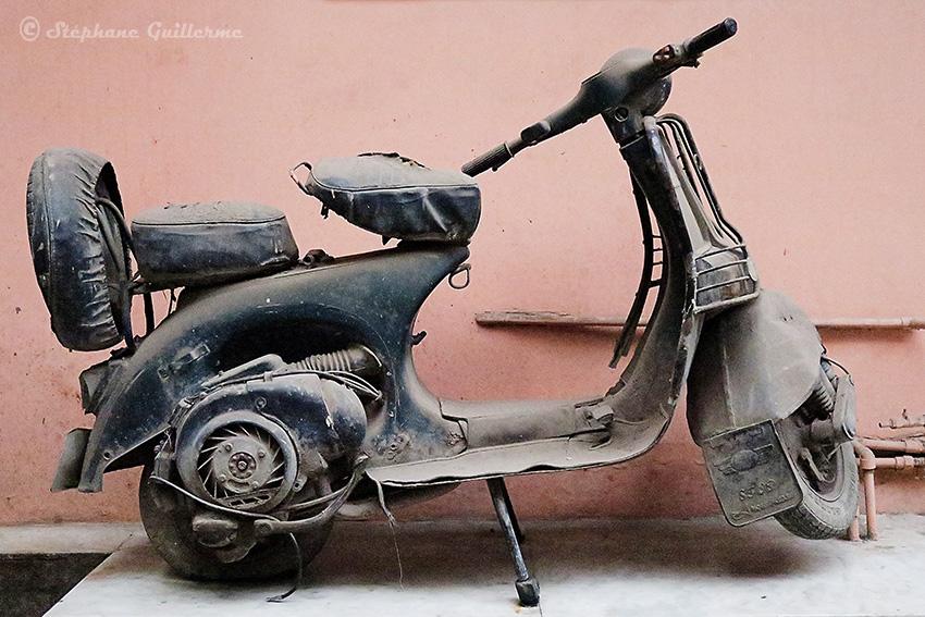 IMG_9390 Scooter Chetak Pahar ganj Delhi Small.jpg