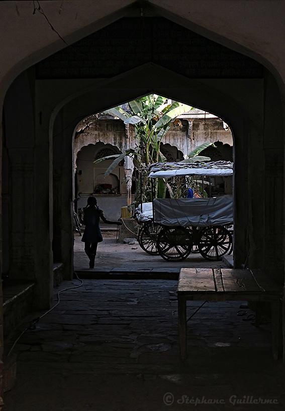 IMG_9909 Cour maison Pushkar SMALL.jpg