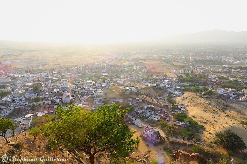 IMG_9963 Vue Pushkar desert SMALL.jpg