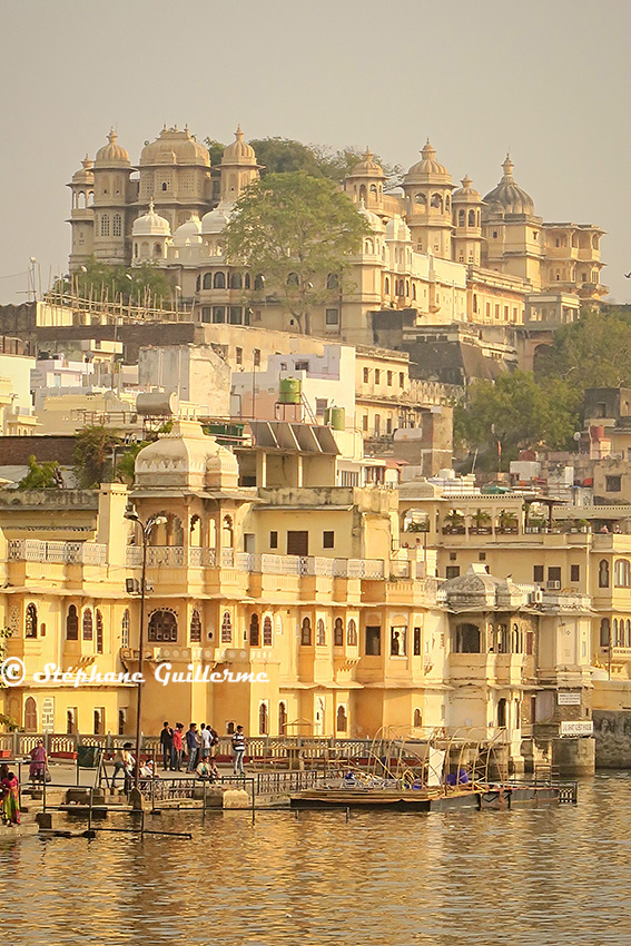 IMG_0537 Palace et ghat Udaipur Small.jpg