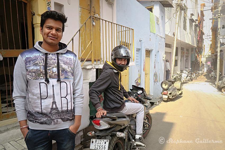 IMG_0478 Fils du bijoutier Udaipur Small.jpg