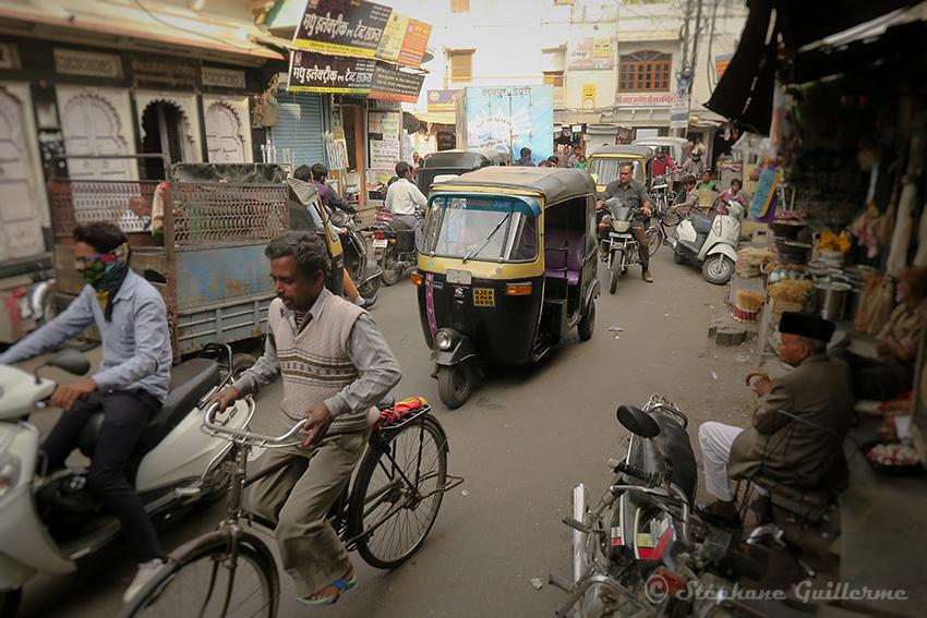 IMG_0508 Udaipur traffic Small.jpg