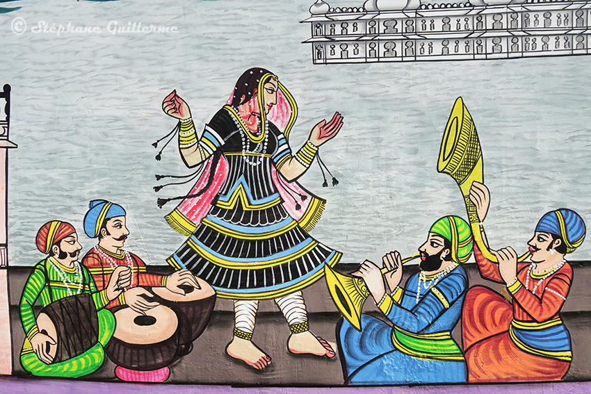 IMG_0369 Fresque murale Udaipur Danseuse et musiciens Small.jpg
